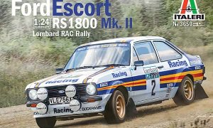 1:24 Scale Italeri Ford Escort Mk2 Rothmans Rally Car Model Kit #1117