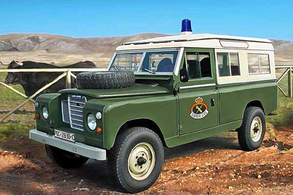 1:35 Scale Land Rover 109 Guardia Civil Model Kit #1256P