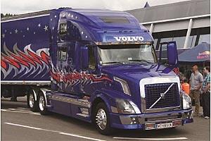 1:24 Scale Italeri Volvo VN760 Model Truck Kit #1496