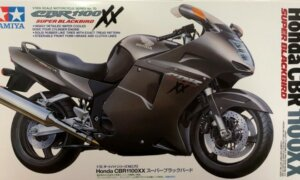 1:12 Scale Tamiya Honda CBR 1100XX S.Blackbird Model Bike Kit #1257