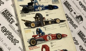 1:20 Scale Tamiya Vintage Motor Racing Team Mechanic - Engine Tuning NOS #IG01