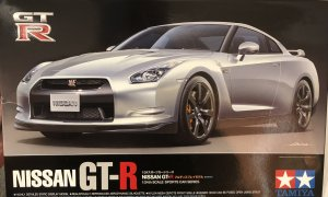 1:24 Scale Tamiya Nissan GTR R35 Model Kit #1622