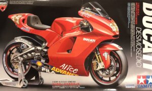 1:12 Scale Tamiya Ducati Desmosedici Model Kit #
