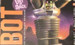 1:6 Scale Moebius Models Lost In Space Robot Model Kit #