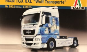 1:24 Scale Italeri M.A.N. TGX XXL Worlf Model Kit #