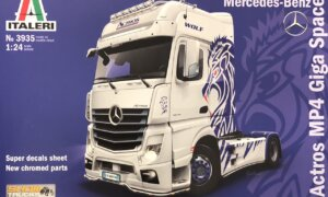 1:24 Scale Italeri Mercedes Benz Actros MP4 Showtruck #
