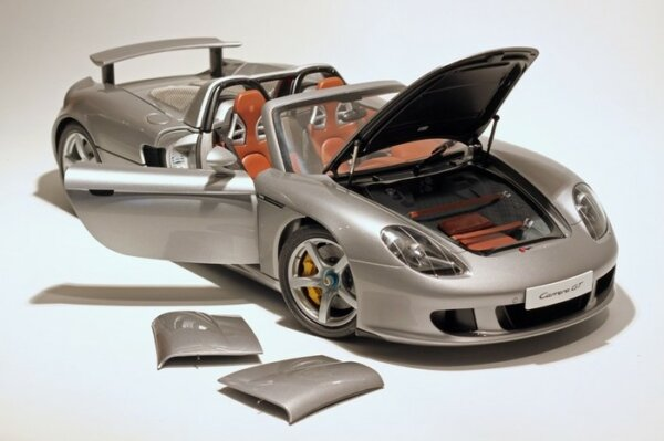 1:12 Scale Tamiya Porsche Carrera GT Model Kit #1731