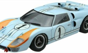 1:24 Scale Fujimi Ford GT40 Mk-II 1966 LeMans 2nd Model Kit