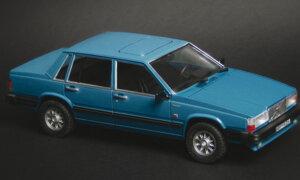 1:24 Scale Italeri Volvo 760 GLE Model Kit #